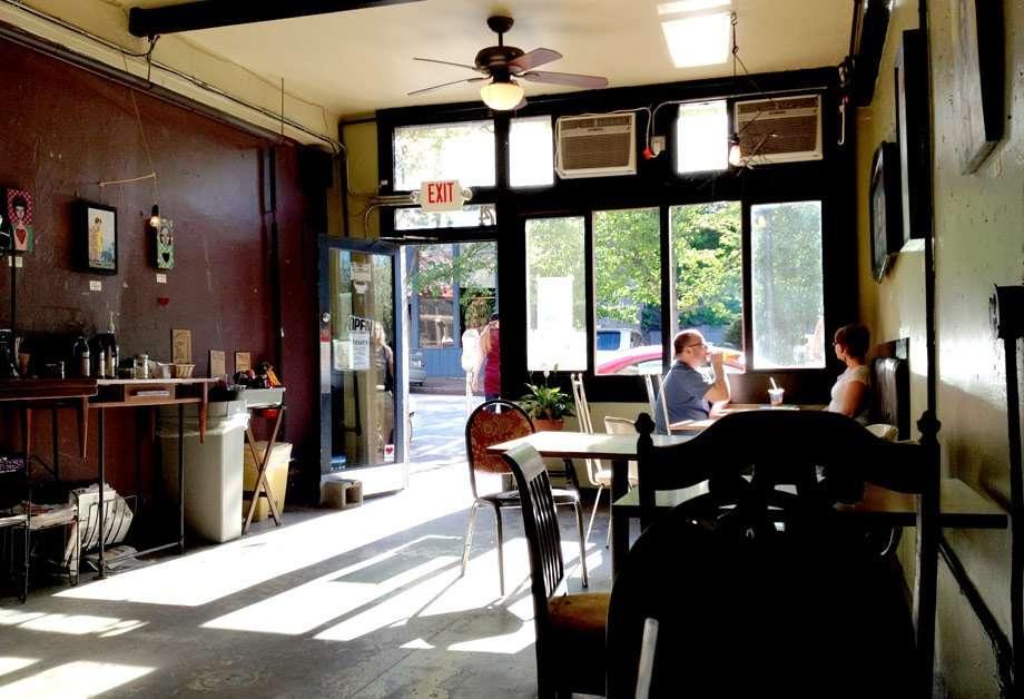 izzy's-coffee-den