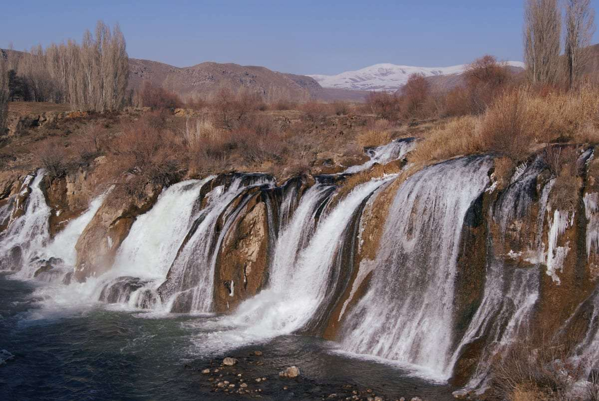 Turkey, Kurdistan, travel, hitchhiking, waterfall, adventure