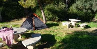 Spain, hitchhiking, wild camping, guerilla camping, petrol station, Tarragona, travel fail