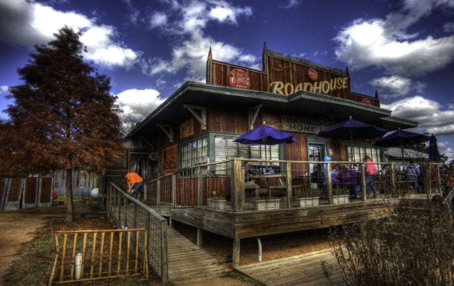 the roadhouse restaurant in bastrop