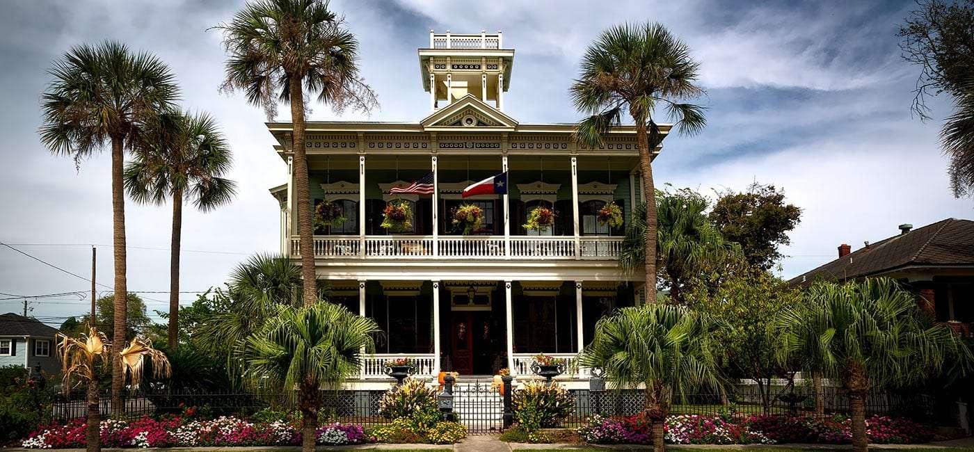a lavish home in galveston