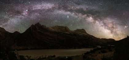 a ridiculously starry sky, the freaking milky way going bombshell at Dinosaur, a national monument in Colorado