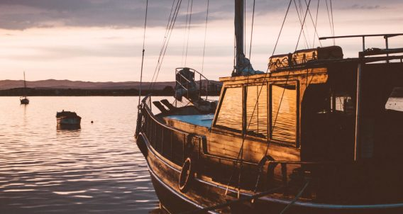 live aboard sailing