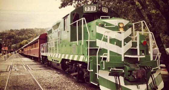 a green train engine