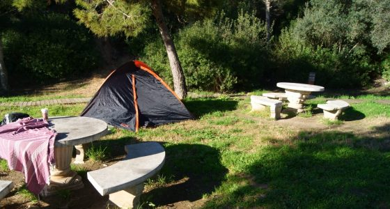 Spain, hitchhiking, wild camping, guerilla camping, petrol station, Tarragona, travel fail